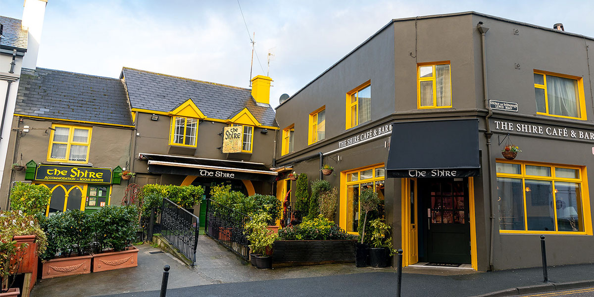 The Shire - Bar/Pub, Café and Townhouse Accommodation in the